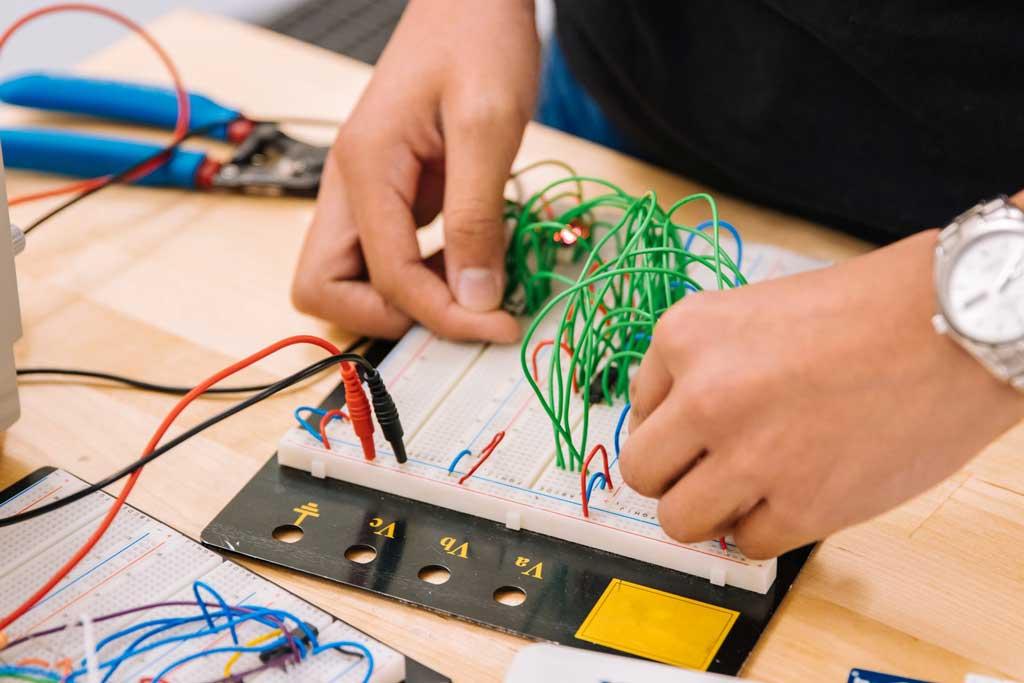 praktik elektronika